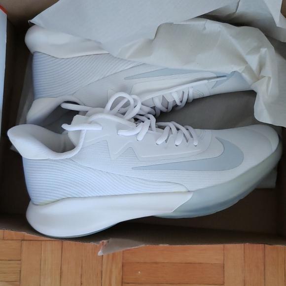 NIKEUNISEX PRECISION shoes - euro size 39.5